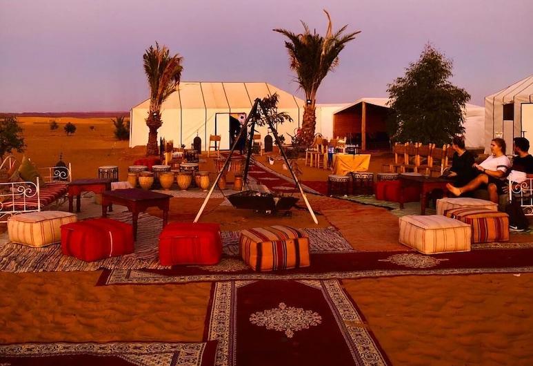 梅爾祖卡體驗露營飯店, 塔歐斯