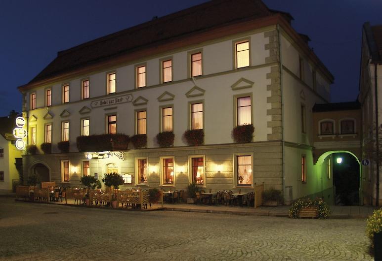 Hotel zur Post, Lam, Hotel Front – Evening/Night