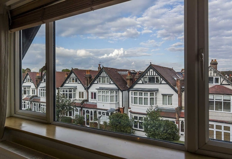 Brookview Guest House, London, View from Hotel