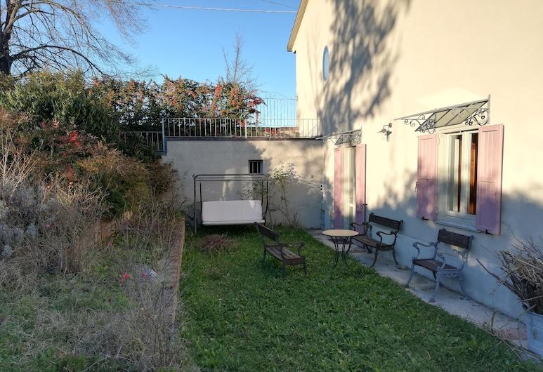 Casa Violanda, Gamalero, Ytra byrði