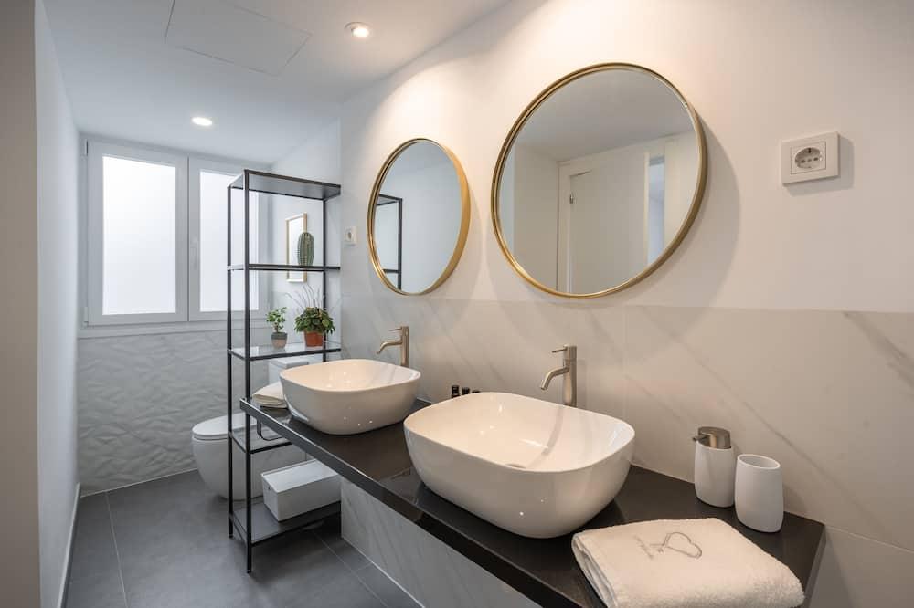 Apartment, 3 Bedrooms - Bathroom