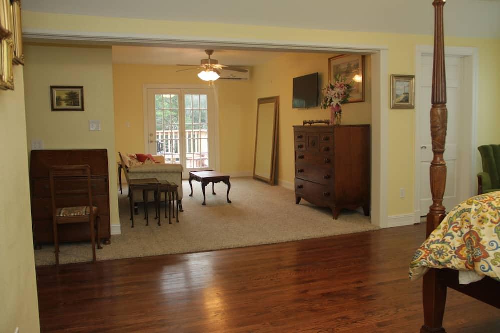 Honeymoon Room, Non Smoking, Garden View - Ruang Tamu