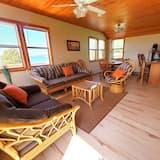 Osnovna kućica, Više kreveta, djelomičan pogled na jezero (Cottage 5) - Dnevni boravak