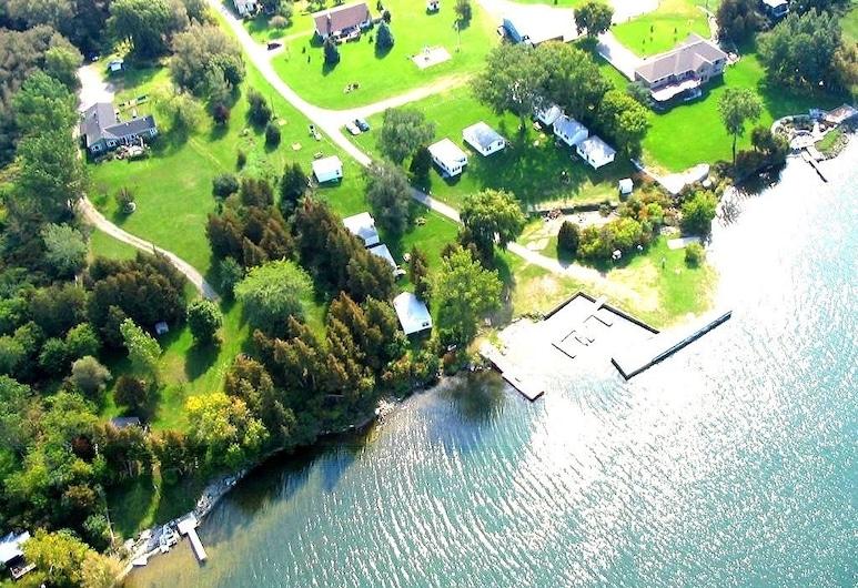 Cribs on East Lake, Prince Edward