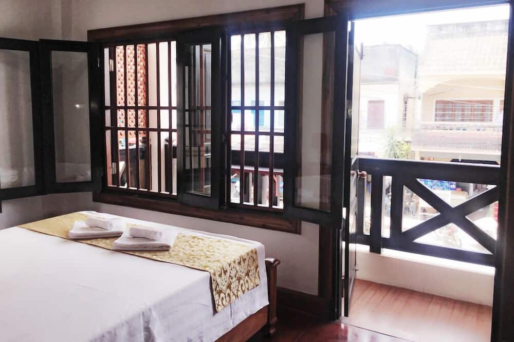Deluxe Double Room with Private Balcony  - חדר אורחים