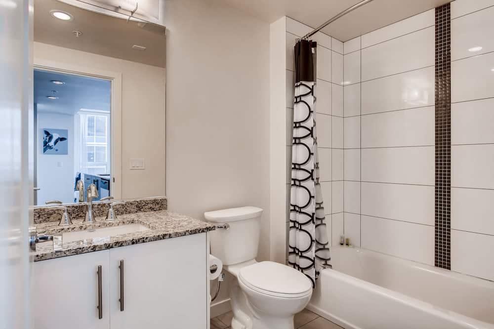 อพาร์ทเมนท์, 2 ห้องนอน, ห้องครัว - ห้องน้ำ