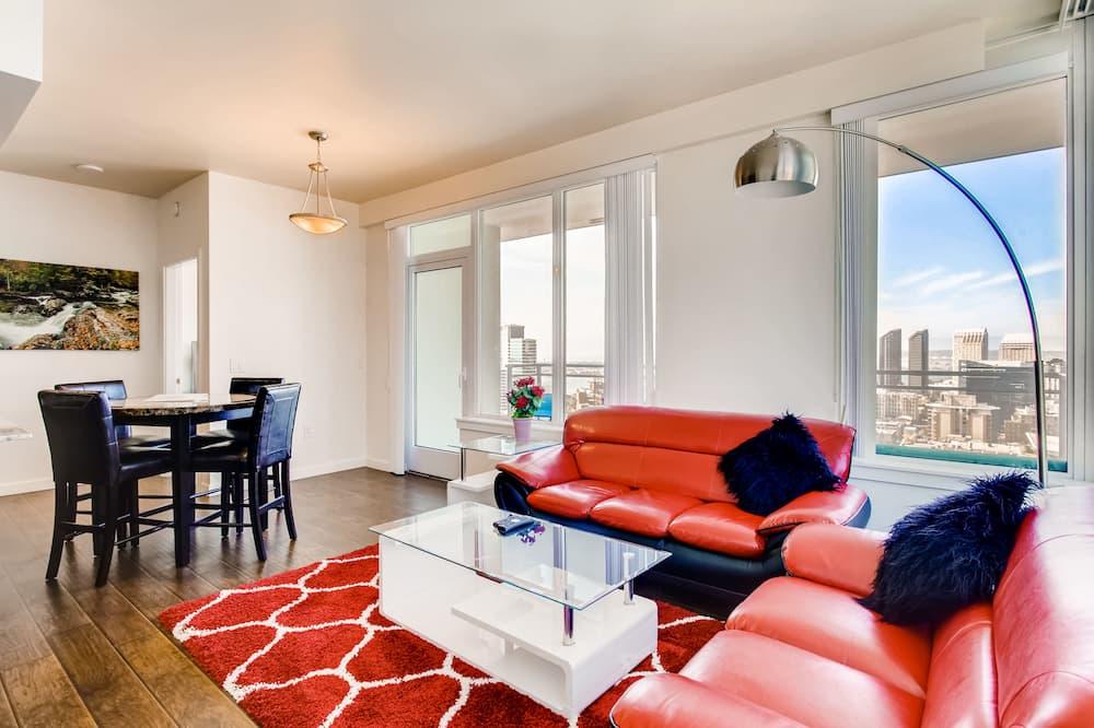 อพาร์ทเมนท์, 2 ห้องนอน, ห้องครัว - พื้นที่นั่งเล่น