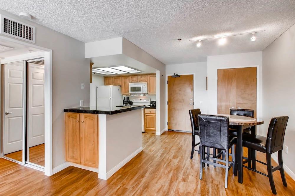 樓中樓客房, 1 張加大雙人床及 1 張梳化床, 廚房 - 客房內用餐