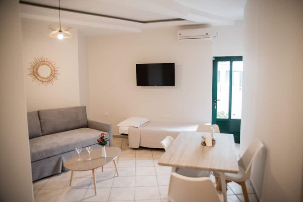 Economy Apartment, City View - Living Area