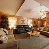 Chalet, Multiple Bedrooms, Fireplace, View (Max Occupancy: 68) - Living Room