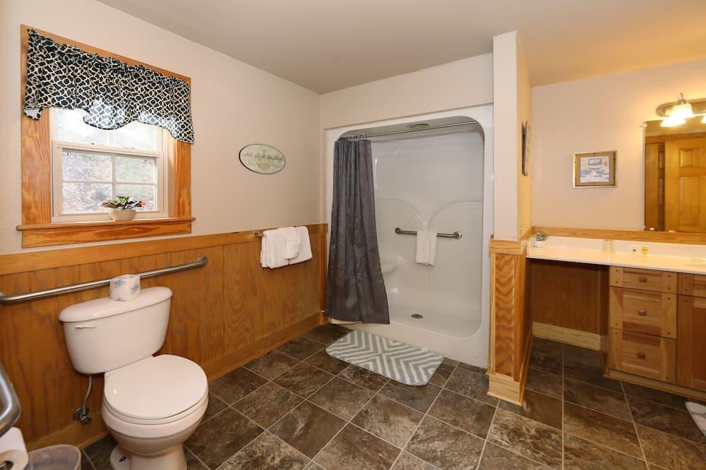 Chalet, Multiple Beds, Hot Tub - Bathroom