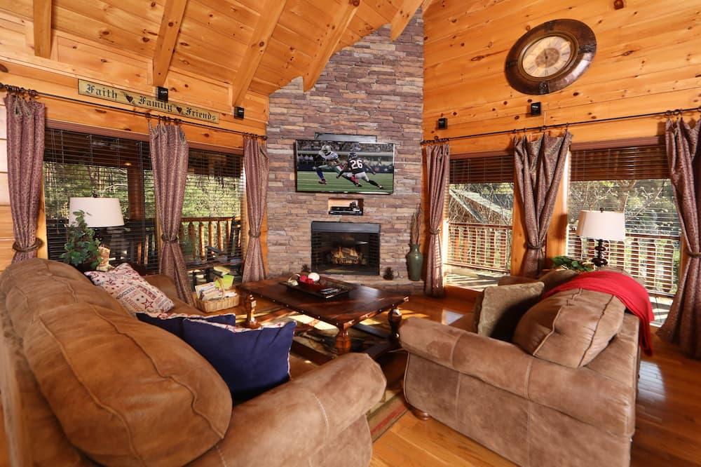 Cabin, Multiple Beds, Hot Tub - Living Room