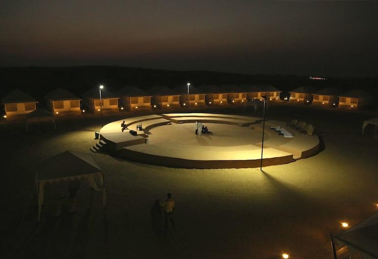Exotic Luxury Camps, Джайсалмер, Фасад готелю (вечір/ніч)