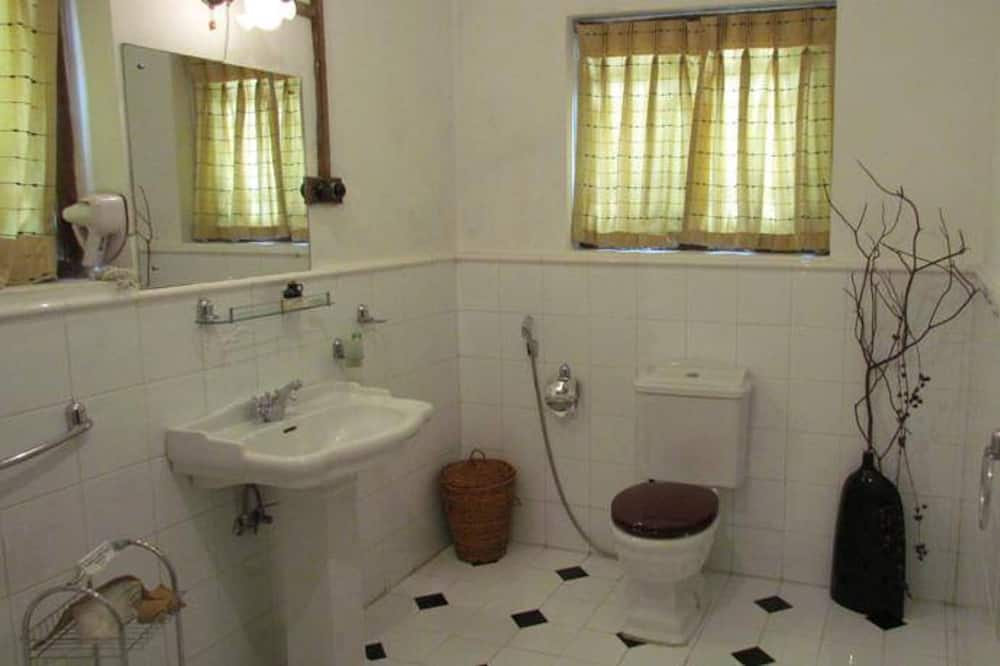 Négyágyas szoba, nemdohányzó - Fürdőszoba