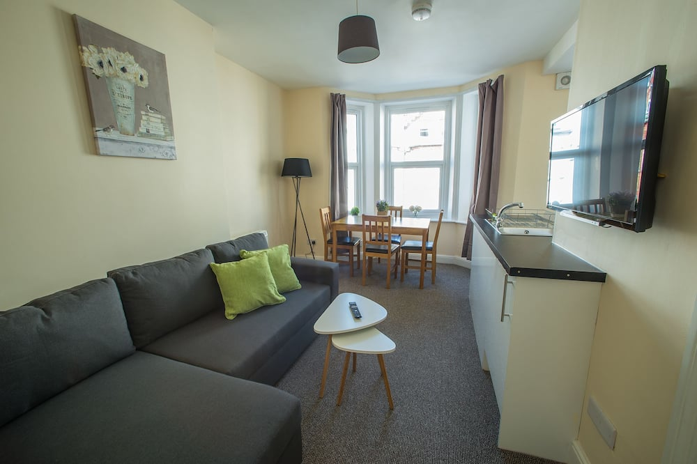Apartment, 1 Bedroom, Non Smoking (Apt 2) - Living Area