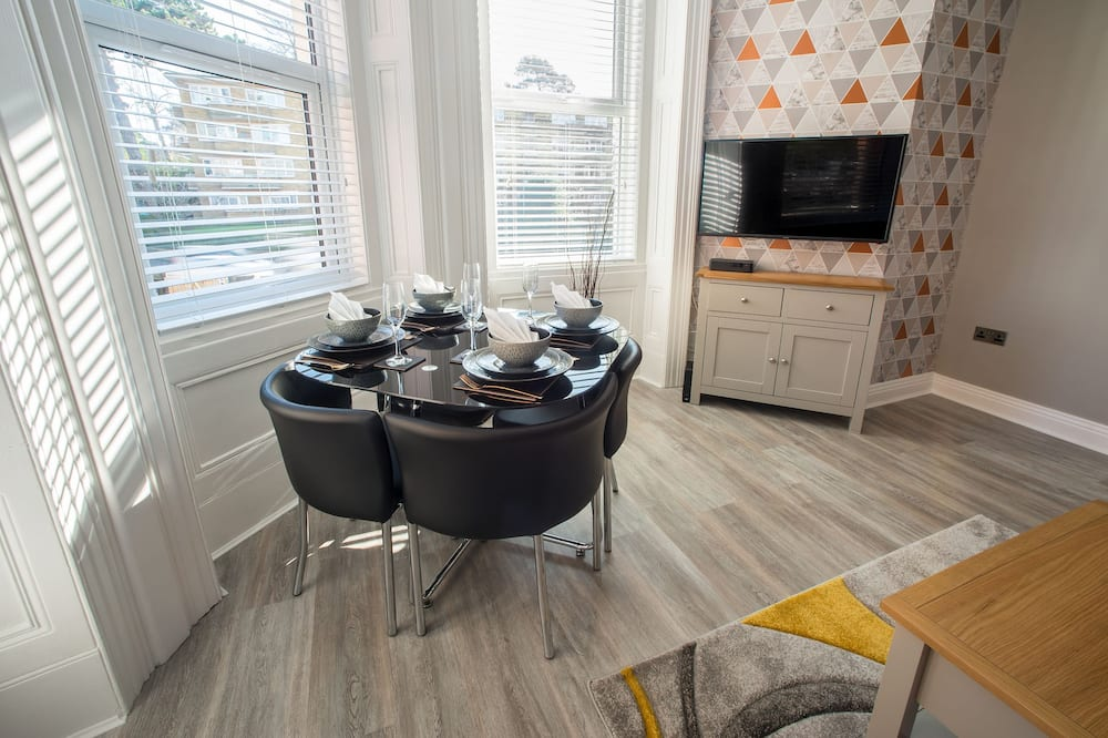 Apartment, 1 Bedroom, Non Smoking - In-Room Dining