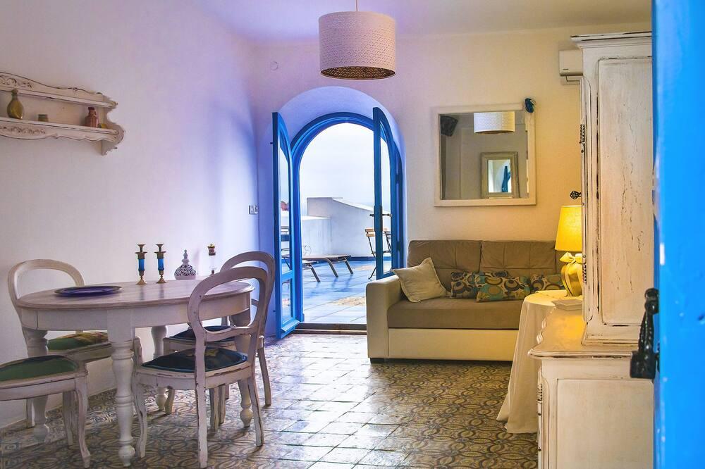 Suite, 1 Bedroom, Non Smoking (Suite Bleu) - Living Room