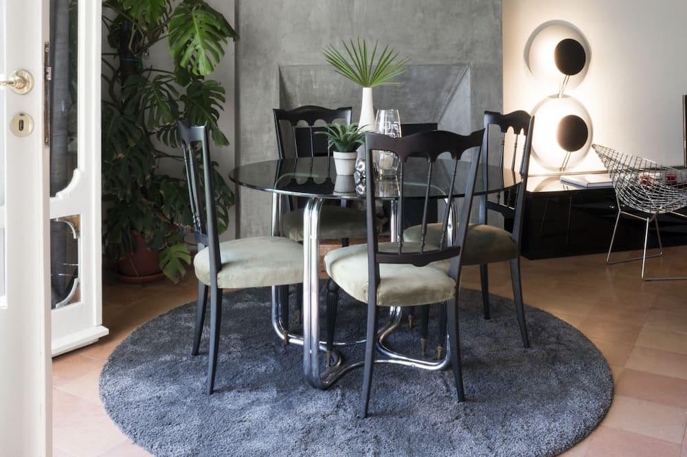 Apartment, 2 Bedrooms, Non Smoking, Fireplace (Domus D'Este) - Living Room