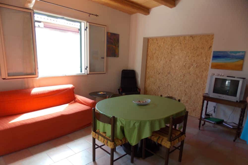 Apartment, 1 Bedroom, Kitchen (Casa Anemone) - In-Room Dining