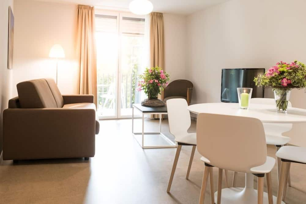 Family Apartment, Multiple Beds, Garden View - Living Area