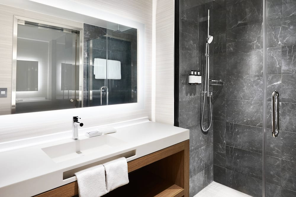 都會客房, 2 張標準雙人床, 非吸煙房, 城市景 - 浴室