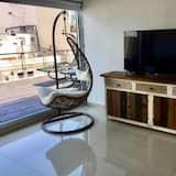 Superior Apartment, City View - Living Area