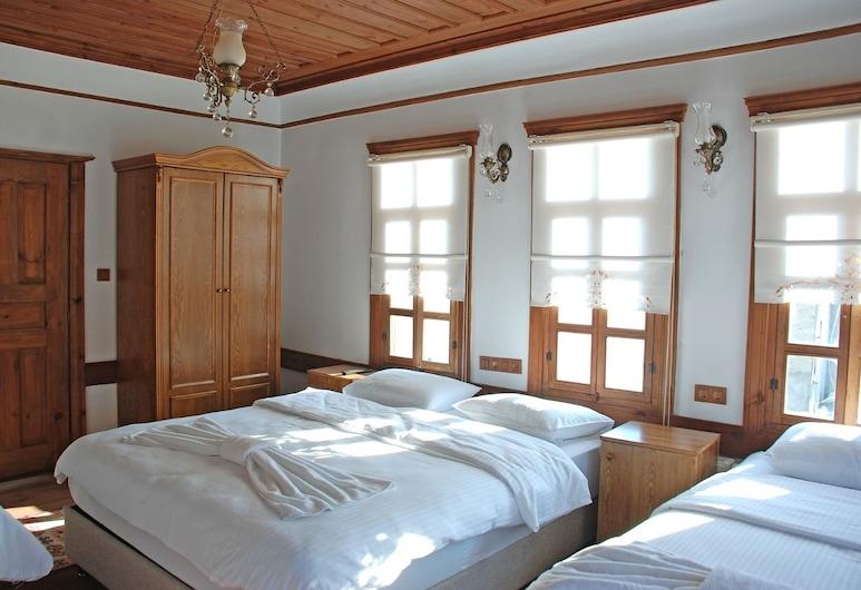 Muhsin Bey Konagi, Safranbolu, Familie driepersoonskamer, Uitzicht vanaf kamer