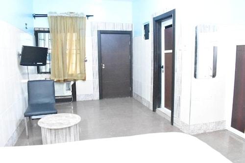 藍色常春藤套房飯店/