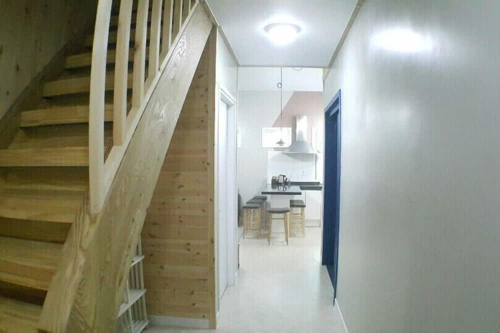 501 - Living Room