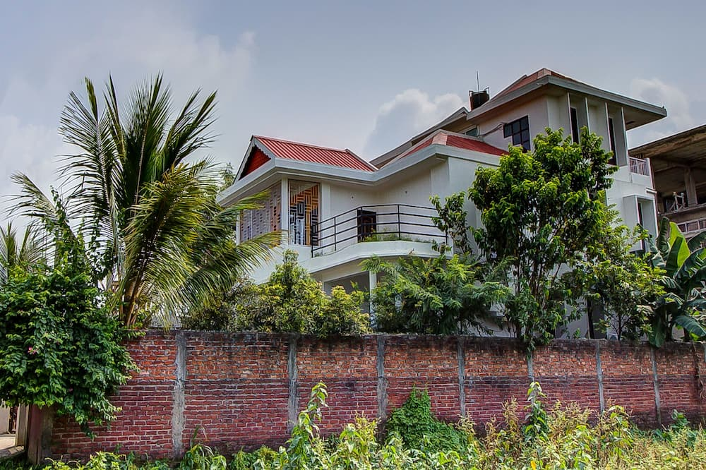 OYO 13927 Green View Guest House