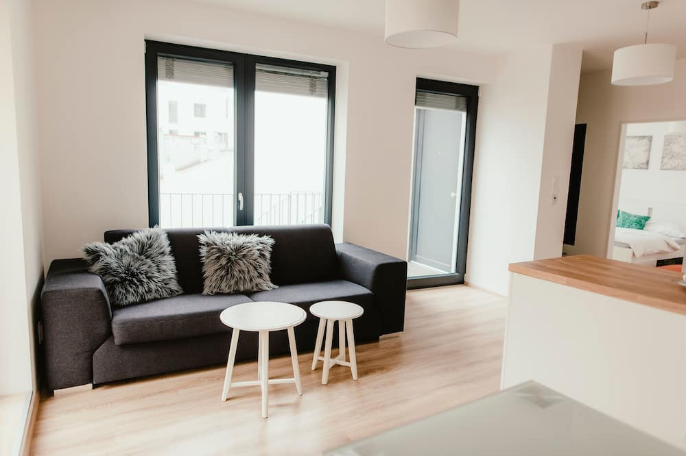 Romantic Apartment, Terrace, Courtyard View - Ruang Tamu