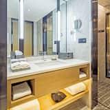 Elegant Double Room - Bathroom