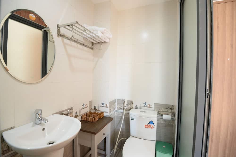 Silver Room - Bathroom