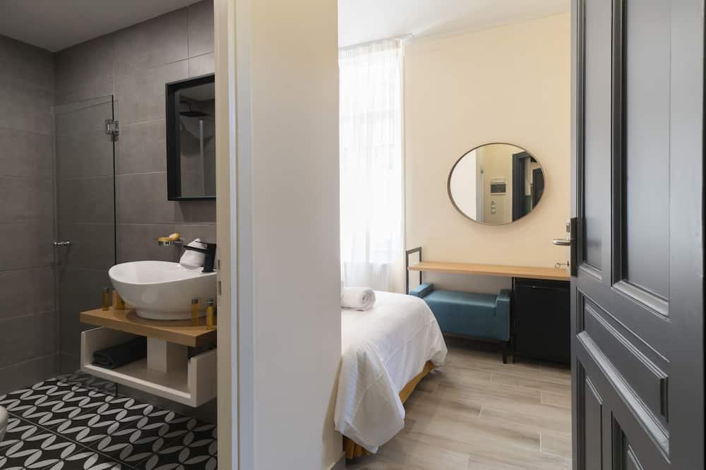 Canvas Twin Room - Bilik mandi
