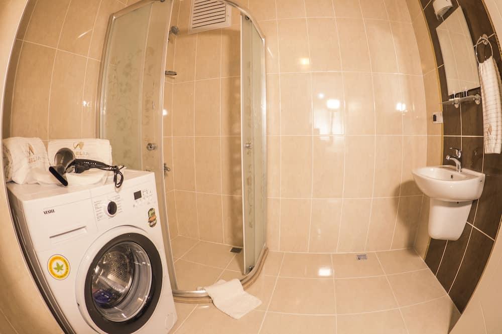 ファミリー スイート 3 ベッドルーム バルコニー - バスルーム