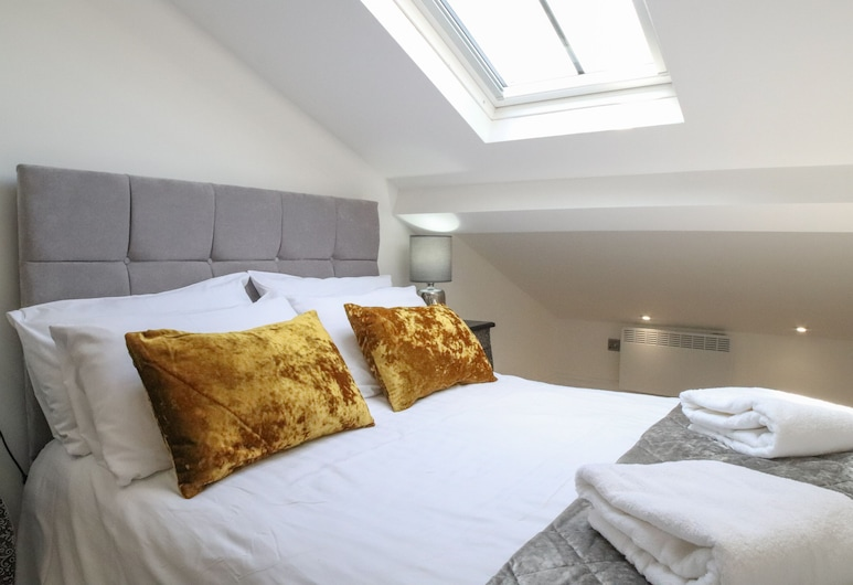 Hanover House Apartments, Leeds, Luxury Two Bed Apartment (Apartment 10 - Features Low Ceilings), Room