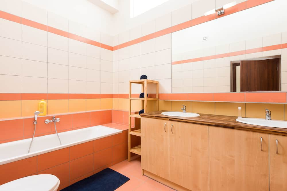 이그제큐티브 아파트, 시내 전망 - 욕실