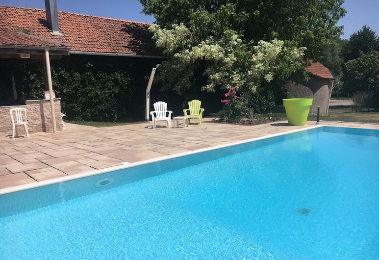 Les Templiers, Rugney, Outdoor Pool