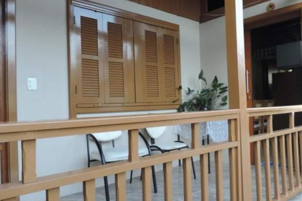 House - Balkoni