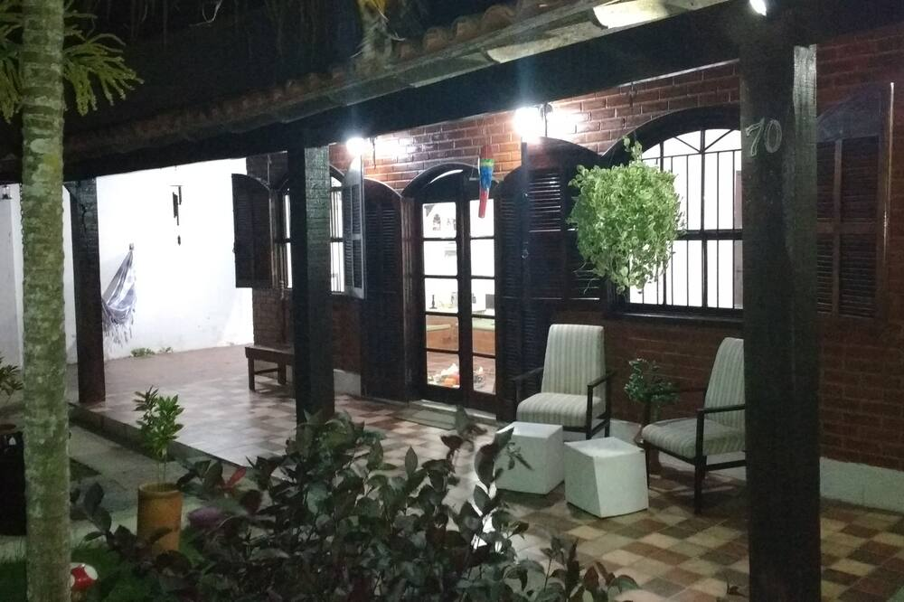 Ev, 2 Yatak Odası, Bahçe Manzaralı - Balkon
