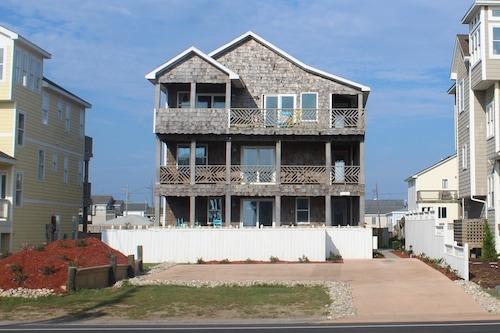 Pierhouse