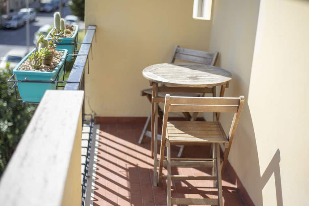 Superior Double Room, Ensuite, City View - Balcony View