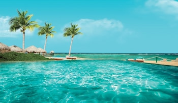 Gambar Sunscape Akumal Beach Resorts & Spa - All Inclusive di Akumal