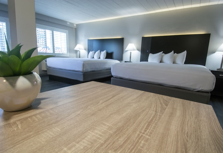 Americana Modern Hotel, Redding, King/King Kitchenette, Guest Room