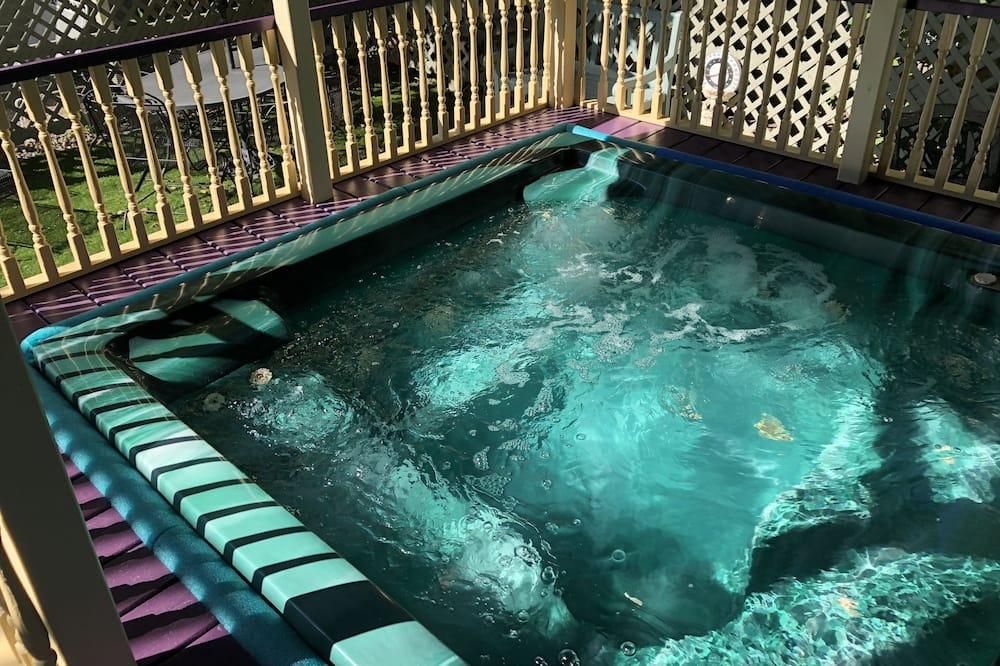 室外 SPA 浴缸