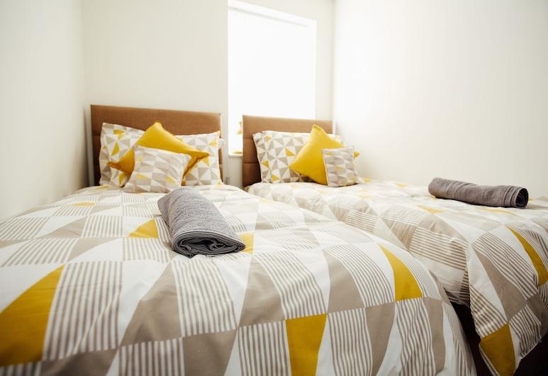Cloud 89 Service Apartments, Sheffield, Comfort Apartment, Multiple Beds, Room