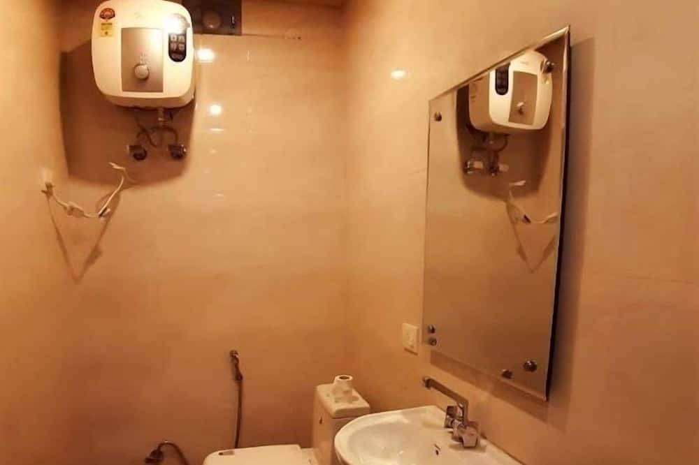 Exclusive Duplex - Bathroom