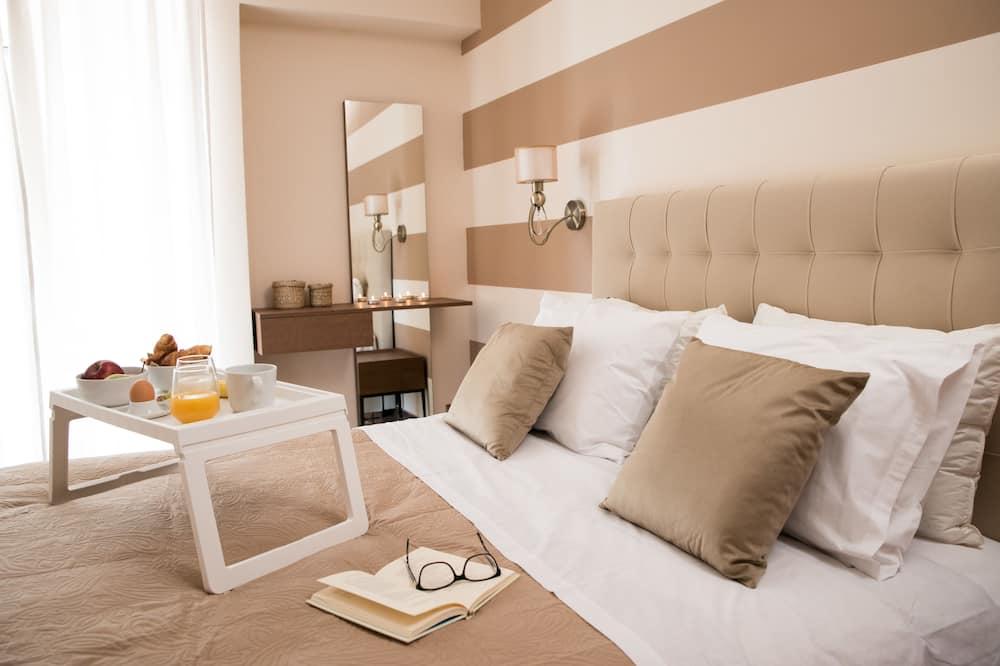 Deluxe Apartment, 1 Bedroom (C1) - Room