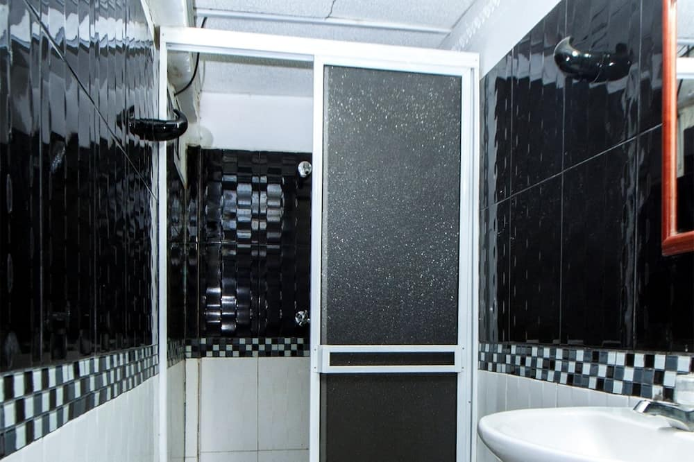 Private Double Room, with Air - חדר רחצה