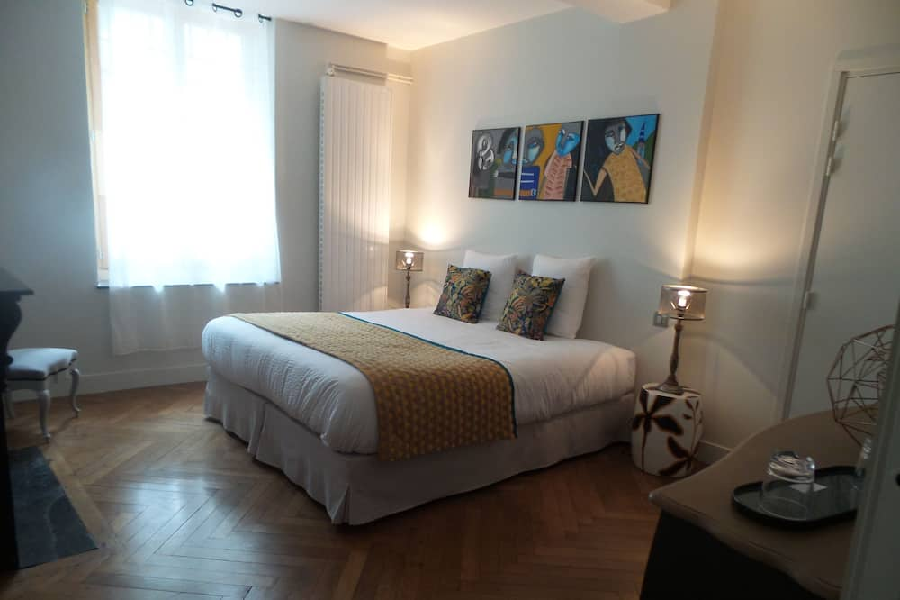 Double or Twin Room, Accessible, Ensuite (Tango) - Guest Room